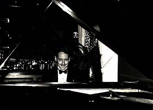 [Photo of Peter Mintun, Pianist]