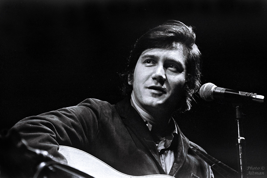 [Photo of Phil Ochs]