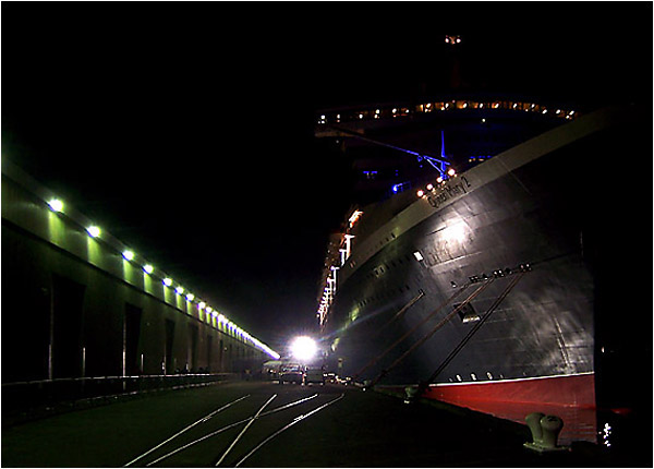 Photo- The Queen Mary 2